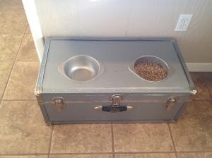 trunk-dog-feeder-8